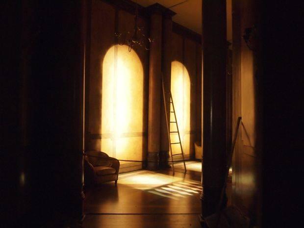 charles-matton-miniature-vitrine-perspective-ava