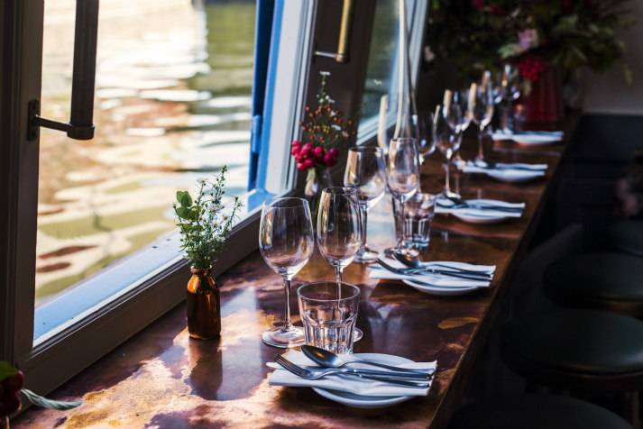 the-prince-regent-narrowboat-canal-london-shell-co-bar-interiors