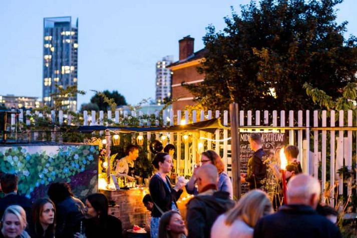 london-incognito-bespoke-events-dinner-by-a-campfire-cocktails