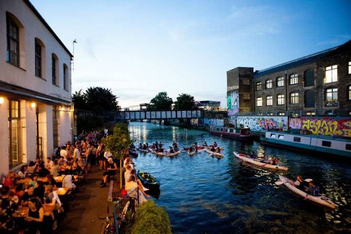 london-incognito-bespoke-events-kayaking-on-londons-oldest-canal-arriving-at-a-microbrewery
