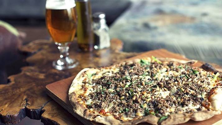 crate-brewery-lunch-pizza-beer